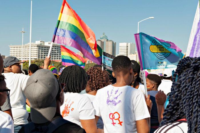 La défense des droits LGBTQIA+ en Afrique francophone : une France aux abonné·e·s absent·e·s?